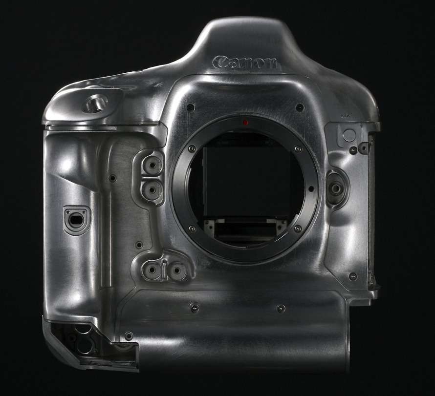 EOS-1D X_Mark_II_magne_design_front_EUR
